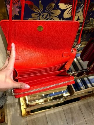 Tory Burch ショルダーバッグ・ポシェット 新作SALE TORY BURCH★BOMBE FLAT WALLET CROSSBODY 46177(17)