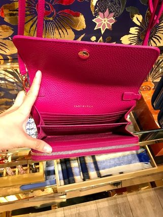 Tory Burch ショルダーバッグ・ポシェット 新作SALE TORY BURCH★BOMBE FLAT WALLET CROSSBODY 46177(19)