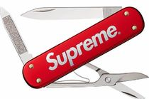 14A/W Supreme VICTORINOX SWISS ARMY MANAGER (Multi-tool)