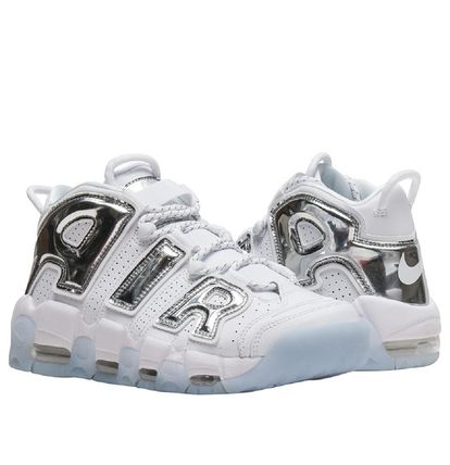 Nike スニーカー UNISEX希少WMNS!! ☆ Nike More Uptempo モアテン 白×Crome