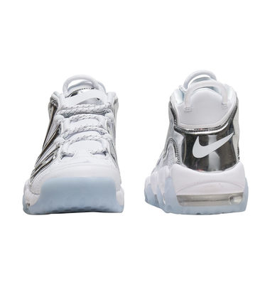 Nike スニーカー UNISEX希少WMNS!! ☆ Nike More Uptempo モアテン 白×Crome(3)