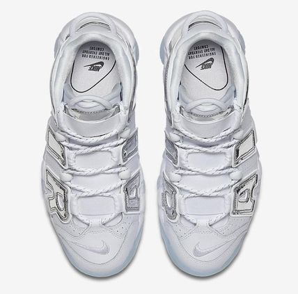 Nike スニーカー UNISEX希少WMNS!! ☆ Nike More Uptempo モアテン 白×Crome(4)