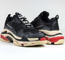 完売前に☆BALENCIAGA*TRIPLE S SNEAKERBlack, Red