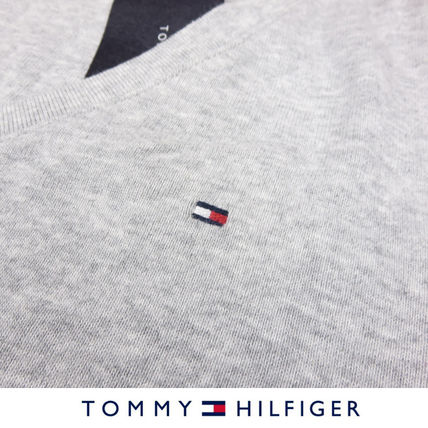 Tommy Hilfiger Tシャツ・カットソー 国内在庫【1-3日】Tommy Hilfiger トミー ロゴ Vネック Tシャツ(7)