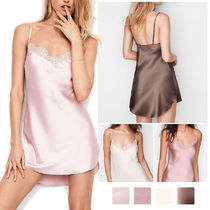 クリアランス☆Victoria's Secret☆Lace-trim Satin Slip