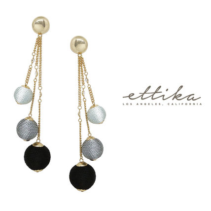 Let it Linger Earrings in Black and Gold ピアス