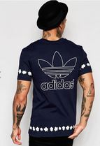 ADIDAS Men's Originals Pharrell Daisy T-Shirt  Navy AO2981