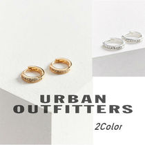 【Urban Outfitters】ラインストーンが可愛いフープピアス♪
