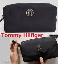 Tommy Hilfiger(トミーヒルフィガー) メイクポーチ 国内発税送込★Tommy Hilfiger★ロゴ付き ナイロン メイクポーチ