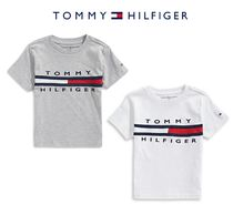 Tommy Hilfiger(トミーヒルフィガー) キッズ用トップス 大人もOK*Tommy Hilfiger*フラッグ ロゴ Tシャツ
