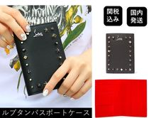 ■ルブタン■ Loubipass Passport Holder with cool studs Black