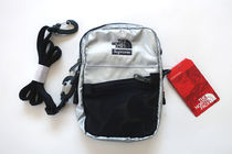新作!18Supreme The North Face Metallic Shoulder Bag Silver