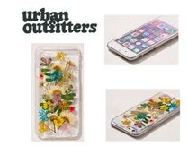 Urban Outfitters Buncha Flowers iPhone 8/7/6/6s Case