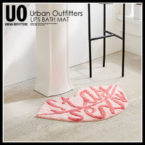 Urban Outfitters(アーバンアウトフィッターズ) バスグッズ 即納★URBAN OUTFITTERS LIPS BATH MAT バスマット 44754570-068