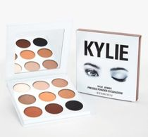 [KKW] KYLIE COSMETICS BY KYLIE JENNER ブロンズパレット