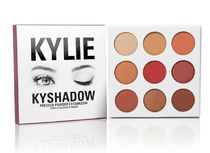 [KKW] KYLIE COSMETICS BY KYLIE JENNER/ BURGUNDY PALETTE