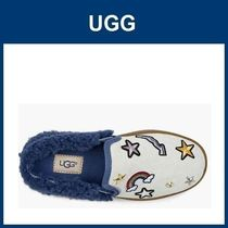 大人もOK(19.5~24.5cm)キッズ UGG Patch It Slip On