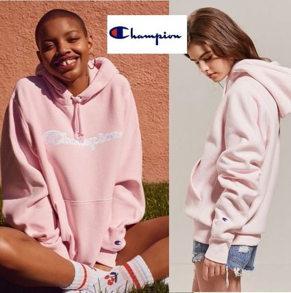 ☆Champion + HVN for Urban Outfitters☆ロゴ入りパーカー