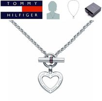 ★Tommy Hilfiger★ロゴ付きハートチャームトグルネックレス♪
