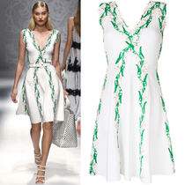 Blumarine(ブルマリン) ワンピース 18SS BM036 LOOK7 FLORAL EMBROIDERED JERSEY FLARE DRESS