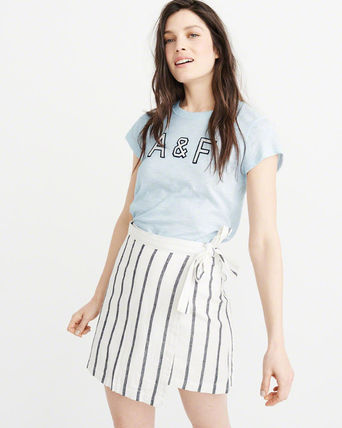 Abercrombie & Fitch Tシャツ・カットソー 送料込み☆レディース アップリケTシャツ【LOGO TEE】(12)
