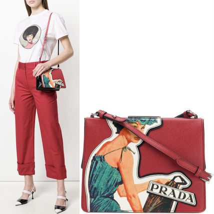 PR1112 LIGHT FRAME BAG WITH POSTER GIRL APPLIQUE