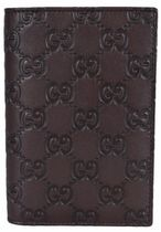 Gucci 154694 Brown Leather GG Guccissima Passport Holder