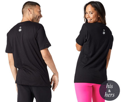 ZUMBA フィットネストップス ZUMBA Party in Pink Move to Give Tee (Bold Black) Tシャツ(2)