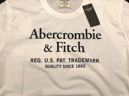 Abercrombie & Fitch Tシャツ・カットソー 即発可!Abercrombieアバクロ ロゴグラフィックTシャツ/White(3)
