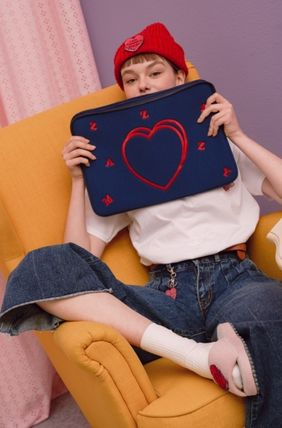 MAZZZZY スマホケース・テックアクセサリー heart laptop pouch/indi pink/blue/13インチ/2色/mazzzzy(18)