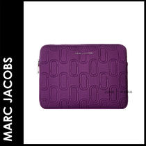 "MARC JACOBS(マークジェイコブス) スマホケース・テックアクセサリー ★追跡&関税込【Marc Jacobs】Double J/13"" Case"