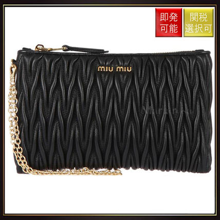【ミュウミュウ】Matelasse Nappa Leather Clutch Black
