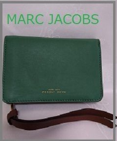 MARC JACOBS マークジェイコブス  二つ折り コンパクト 財布