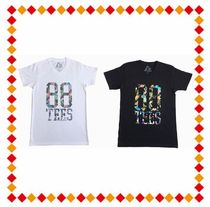 88TEES(エィティーエイトティーズ) Tシャツ・カットソー 【関税・送料込】88TEES  FLORAL 88TEES SILHOUETTE V-NECK