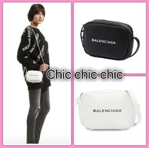 VIP 価格 BALENCIAGA EVERYDAY CAMERA BAG XS