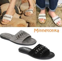 セール! Minnetonka Paris Slide Sandal