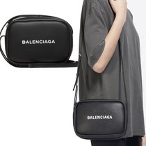 BALENCIAGA EVERYDAY CAMERA BAG S 小さなロゴが可愛い