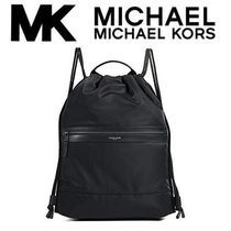 ★送料・関税込み★Michael Kors Kent Flat Drawstring Backpack