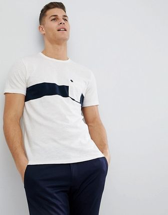 Abercrombie & Fitch Tシャツ・カットソー SALE【A&F】ロゴポケット 半袖 Tシャツ ホワイト / 送料無料(2)