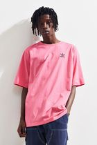 Urban Outfitters☆adidas メンズ バックプリントTシャツ