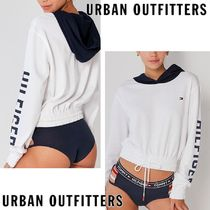Urban Outfitters限定!!!!! Tommy Hilfiger コラボ パーカー