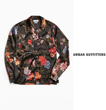 Urban Outfitters シャツ UO(アーバン)★ 花柄 サテン ボタン シャツ