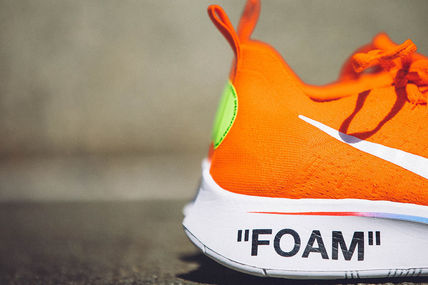 "Nike スニーカー 【Nike×OFF-WHITE】限定 Zoom Fly Mercurial ""Total Orange""(3)"