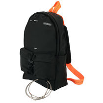 OFF-WHITE TAPE BACKPACK OMNB003S18888008 1000 ブラック 鞄