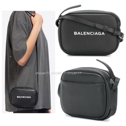 【BALENCIAGA】EVERYDAY XS CAMERA BAG Black calf leather