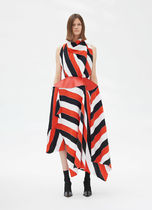 18SS Halter neck dress in crepe back satin patchwork with