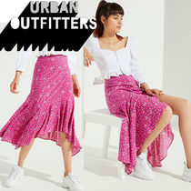 ● Urban Outfitters ●人気 ラッフル ミディスカート 花柄