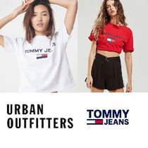 Urban Outfitters(アーバンアウトフィッターズ) Tシャツ・カットソー 限定 Urban Outfitters × Tommy jeans レトロ 90年代 Tシャツ