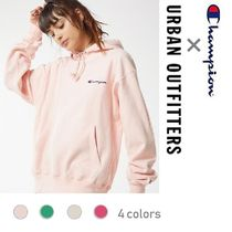Urban Outfitters(アーバンアウトフィッターズ) パーカー・フーディ Urban Outfitters限定!!!!! Champion コラボ パーカー
