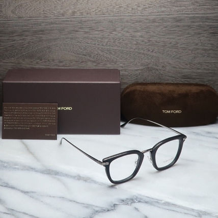 TOM FORD メガネ 【送料、関税込】TOM FORD 人気ウェリントンメガネ FT5496(12)
